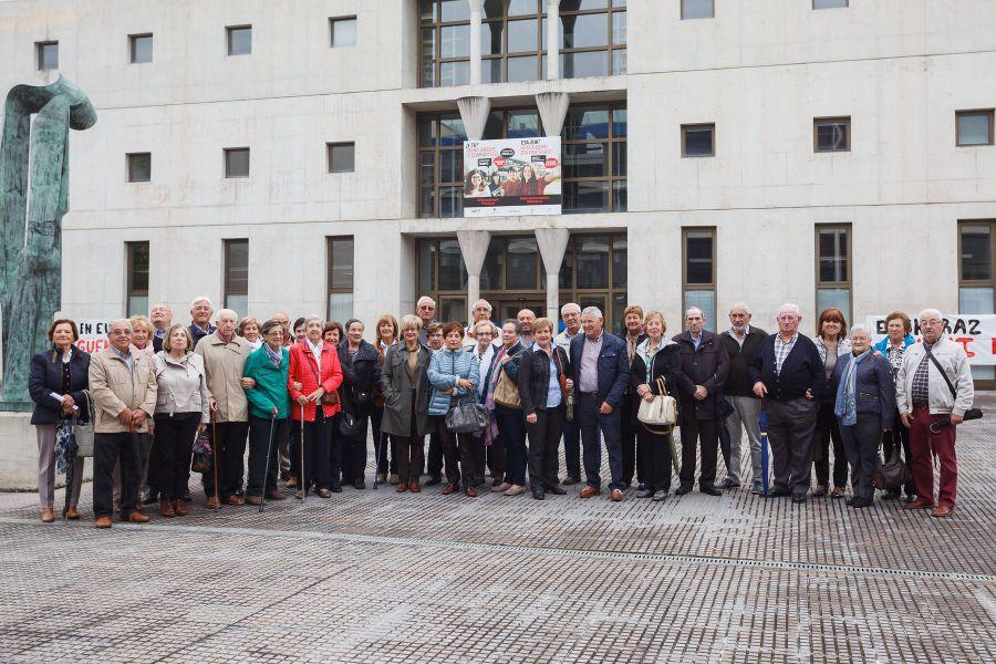 La asociación del Grupo de Mayores de Telefónica de Navarra visita la UPNA