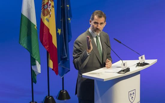 Felipe VI expresa su pésame al rey Salman tras la suspensión del viaje a Riad