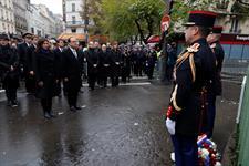 Hollande cierra en el Bataclan la conmemoración de los atentados de París