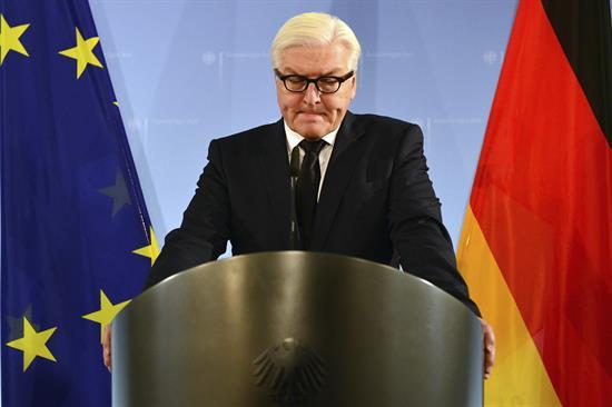 El presidente alemán convoca a Merkel y Schulz para abordar la formación de gobierno