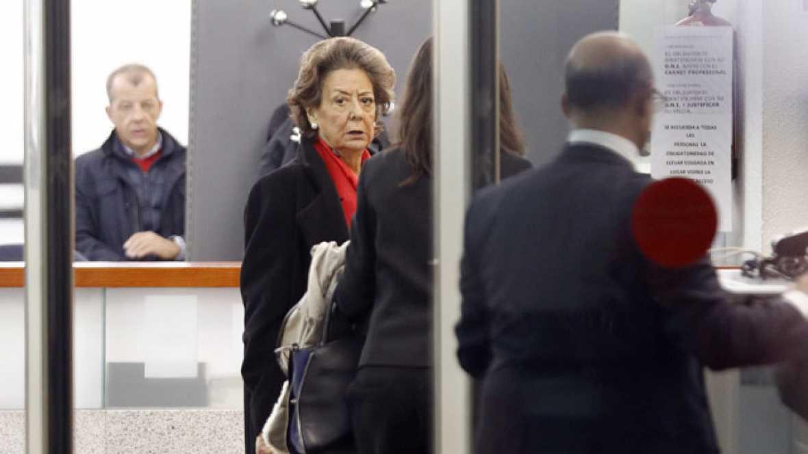 Barberá reconoce que entregó mil euros al PP y remite al juez al comité electoral