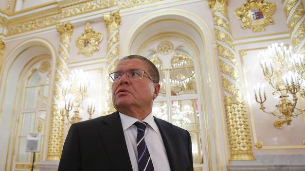 Detienen al ministro de Economía ruso, acusado de cobrar un soborno