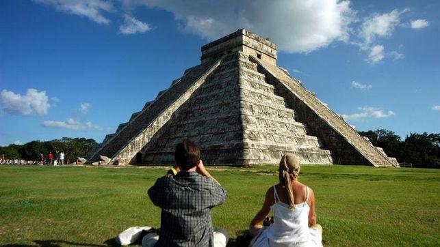 Encuentran con técnicas de geofísica una pirámide interior en Chichén Itzá