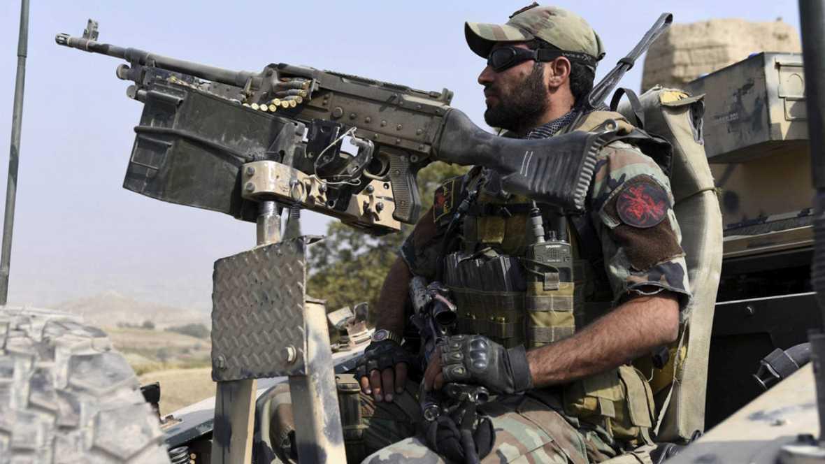 Al menos cuatro muertos y 120 heridos en un ataque talibán contra un consulado alemán en Afganistán