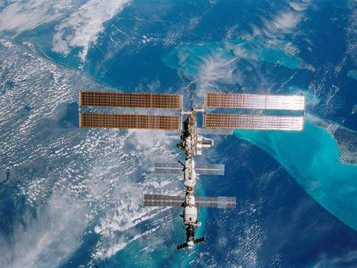Astronautas utilizan la impresión 3D en el espacio a partir de resina plástica