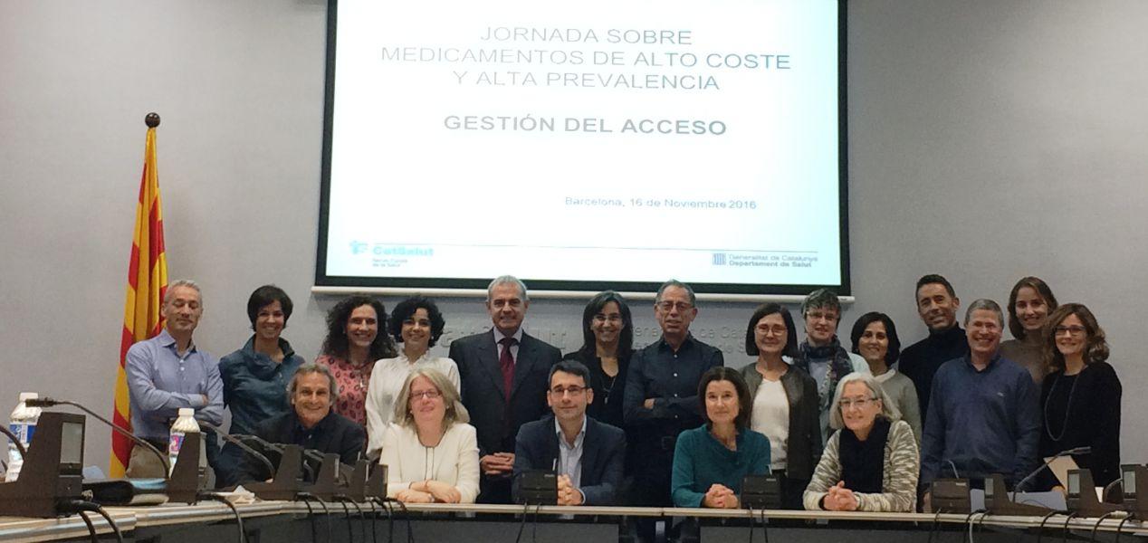 Representantes españoles de farmacia abordan el acceso a los medicamentos de alto coste