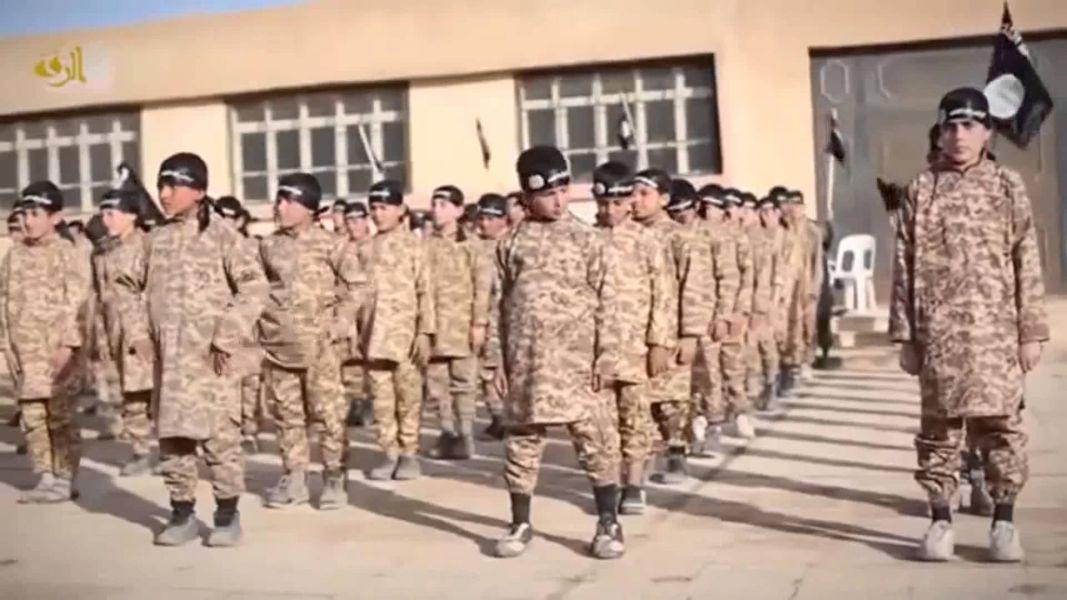 Estado Islámico exige a familias de Mosul que le entreguen niños desde 9 años