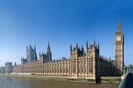 El Parlamento británico vota si acepta un