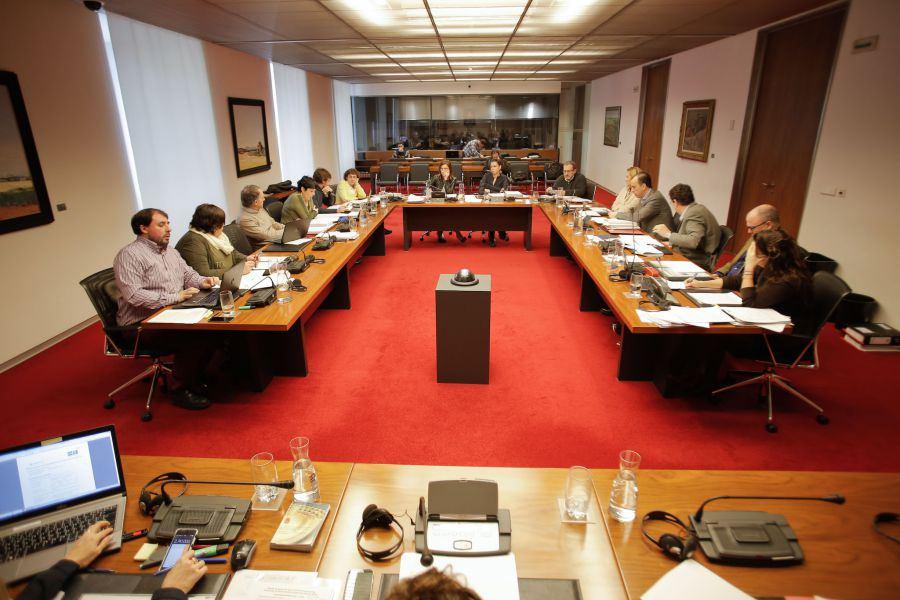La extra y la subida salarial a funcionarios marcan el inicio del debate de Presupuestos en Navarra