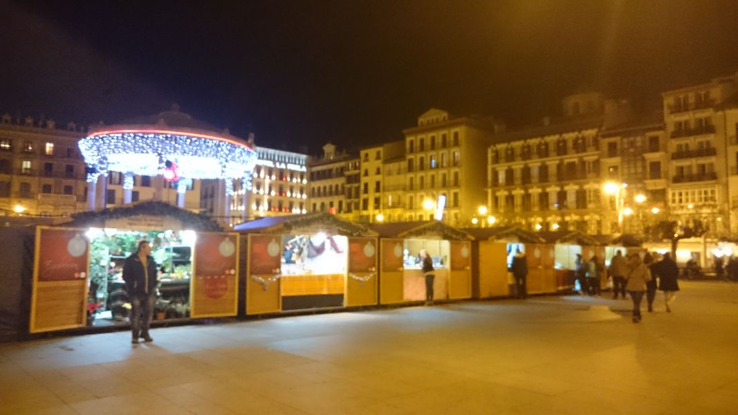 La Feria de Navidad de la pamplonesa Plaza del Castillo, abre este viernes con 27 casetas de productos artesanos