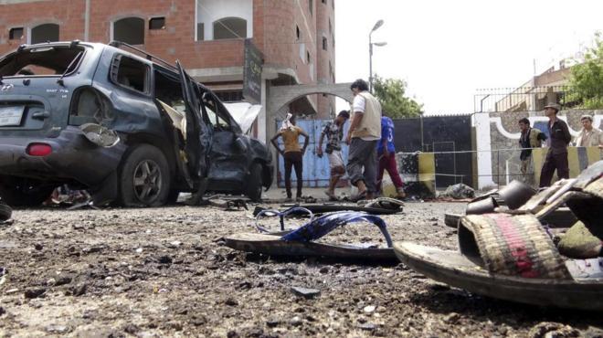 Al menos cinco policías muertos en un atentado contra comisaría en el Yemen