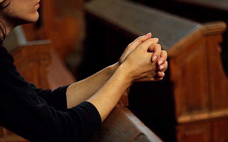 El 25 % de los españoles se declara ateo o no creyente