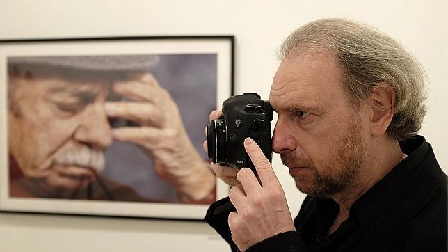 Mordzinski expone los rostros de la literatura en español en más de 300 fotos