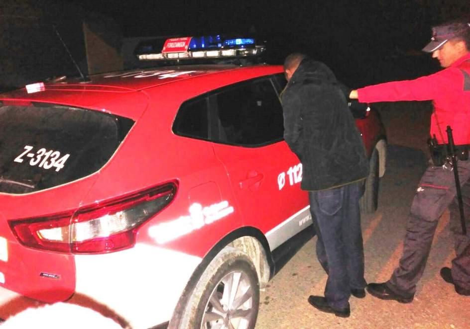 Detenido en Tafalla por pegar mientras conducía a una mujer