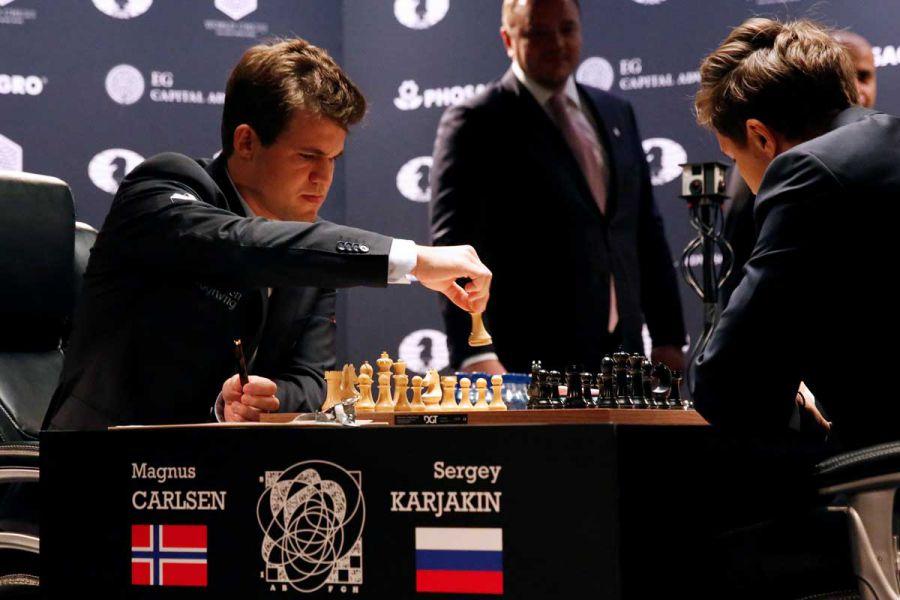 El noruego Magnus Carlsen retiene el título mundial de ajedrez