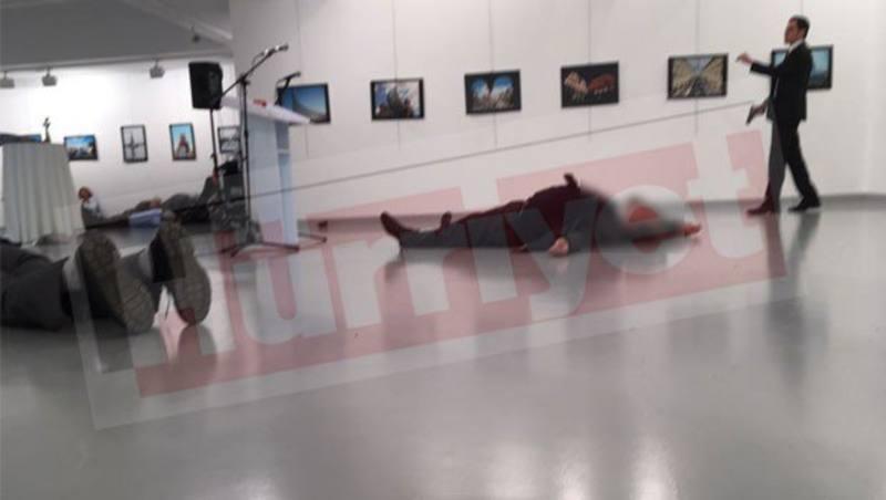 Asesinan a tiros al embajador ruso en Ankara (Turquía)