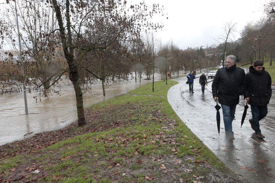 El Arga alcanza el nivel de alerta en la comarca de Pamplona
