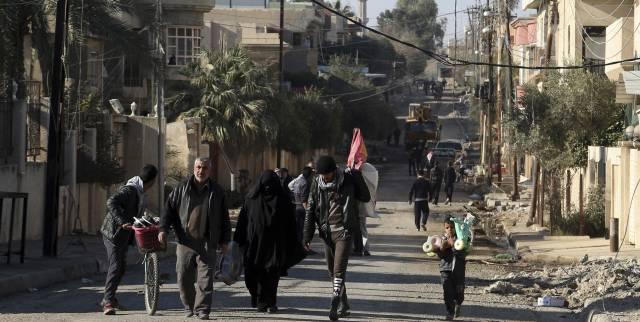 La ofensiva contra EI en Mosul progresa excepto en el casco antiguo