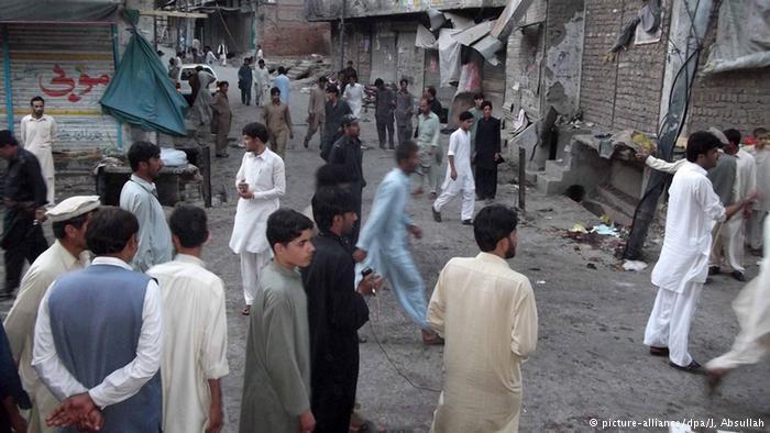 Al menos 31 muertos en un atentado cerca de un colegio electoral en Pakistán