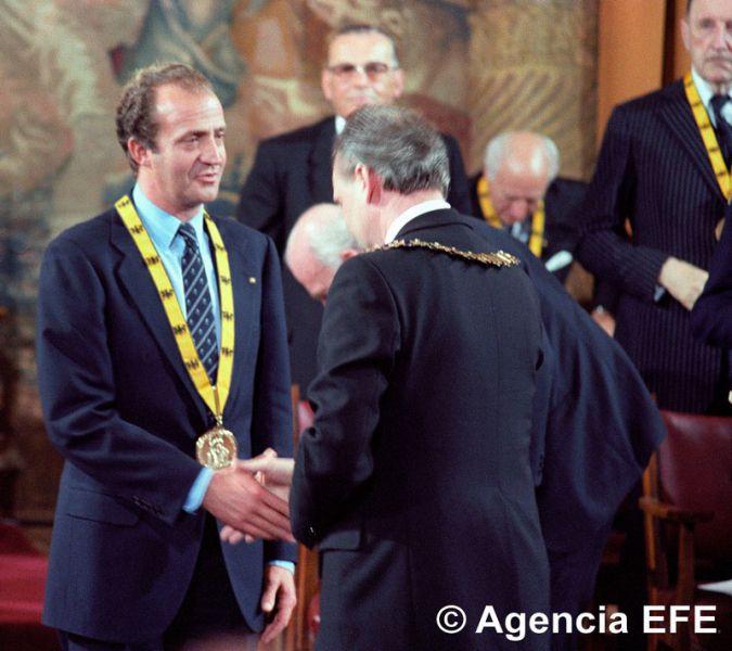 El Rey Juan Carlos recibe el premio Carlomagno