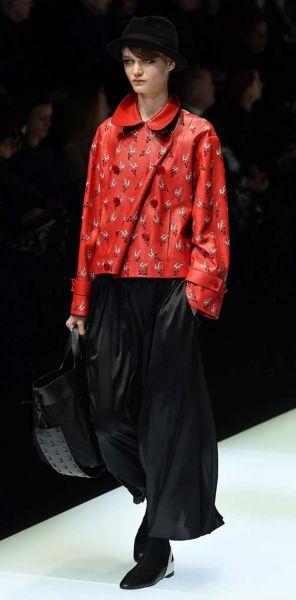 Giorgio Armani se renueva y sorprende en Milán con su pantalón-falda