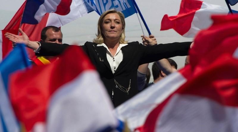 Le Pen arranca su campaña en contra de la UE, la inmigración y el islamismo