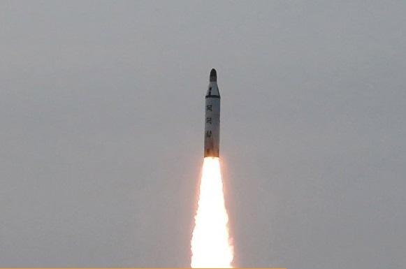 Explota un misil lanzado de nuevo por Corea del Norte