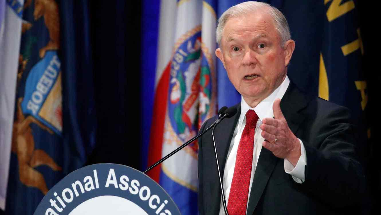 El Gobierno de EEUU pide la renuncia a 46 fiscales nombrados por Obama