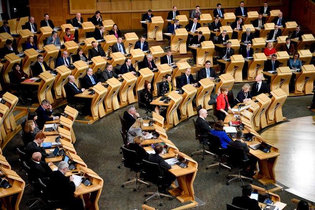 Escocia aprueba impulsar un nuevo referéndum de independencia