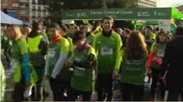 Más de 15.000 personas tiñen Madrid de verde en la carrera contra el cáncer
