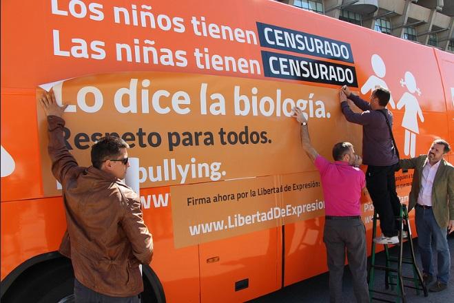 #ElBusDeLaLibertad de HazteOir.org llega esta mañana a Pamplona