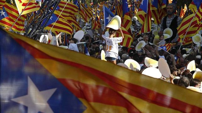 Los contrarios a la independencia de Cataluña ganarían a los partidarios por 4 puntos