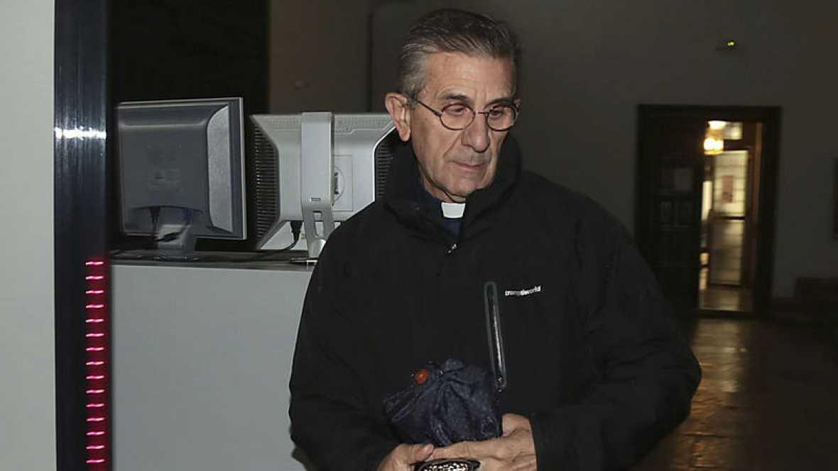 La Fiscalía retira la acusación de abusos sexuales contra el padre Román