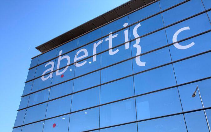 Atlantia retirará su opa y Hochtief pagará su oferta íntegramente en efectivo