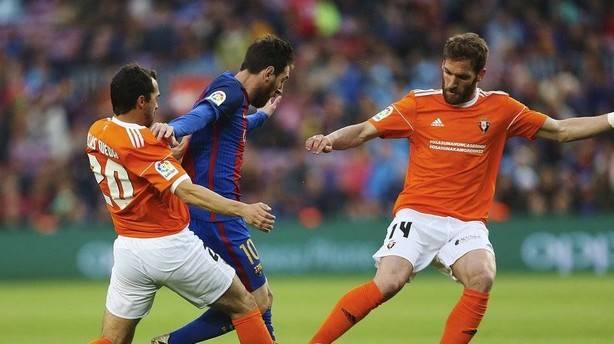 El Barcelona golea (7-1) y deja a Osasuna al borde del descenso