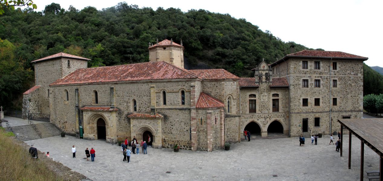 Los Reyes expresan su apoyo al Año Lebaniego en su visita a Santo Toribio