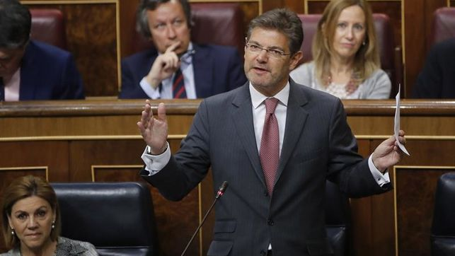 Catalá afirma que no piensa dimitir y que tiene la confianza de Rajoy