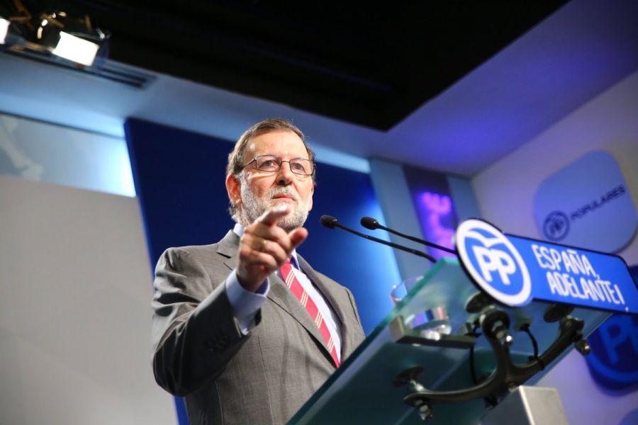 """Rajoy pide a dirigentes catalanes que reflexionen y vuelvan """"a la legalidad"""""""