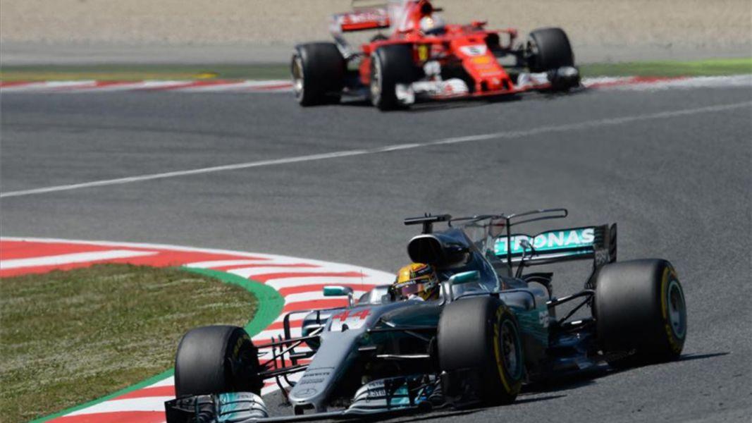 Hamilton superó a Vettel en ensayos que dominó Ricciardo y Alonso fue séptimo