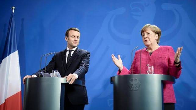 Merkel y Macron se emplazan a consensuar una
