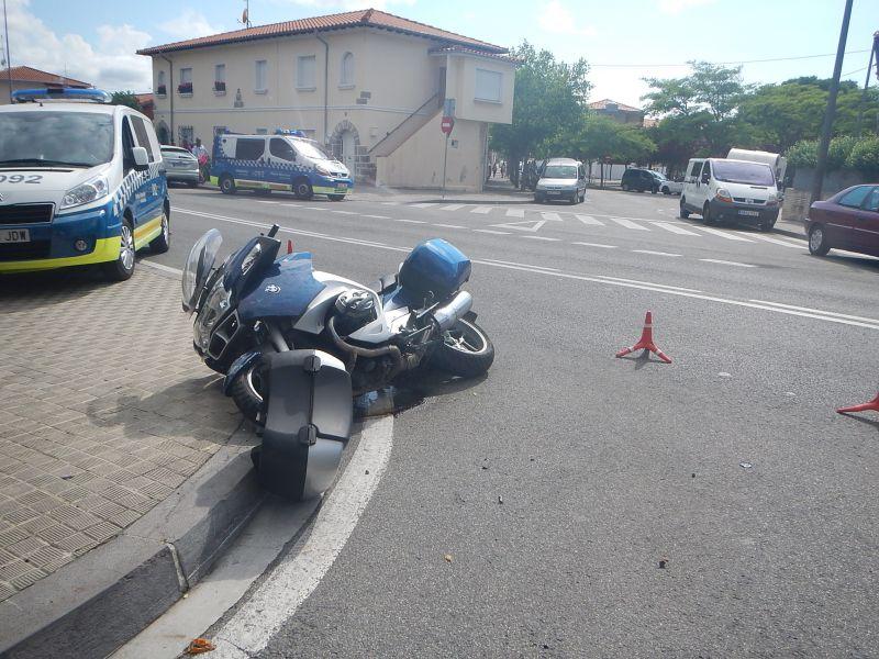 Herido grave el conductor de una moto de gran cilindrada al chocar con un turismo en Pamplona