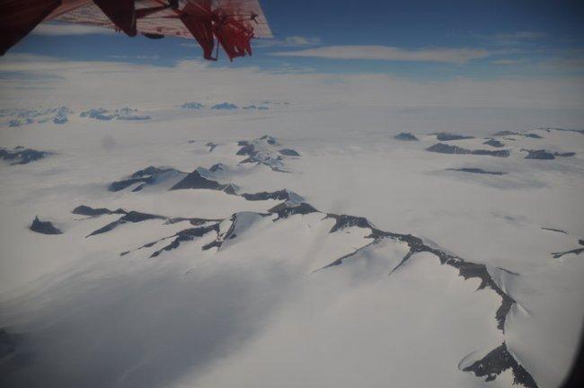 Glaciares de la península Antártica pierden entre 20 y 30 centímetros al día