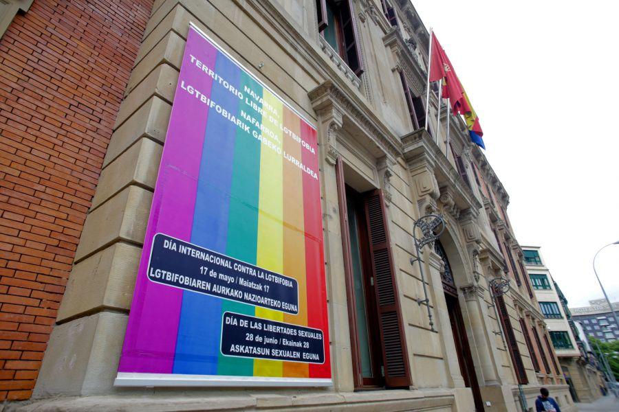El Parlamento de Navarra se adhiere por unanimidad al Día Internacional contra la LGTBfobia