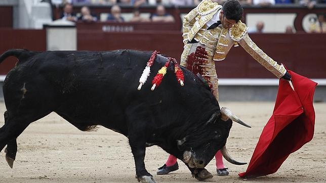 Una oreja de poco peso en Madrid, y dos que supieron a poco en Brihuega