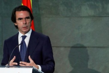 Aznar se ofrece para colaborar en la reconstrucción del centro-derecha