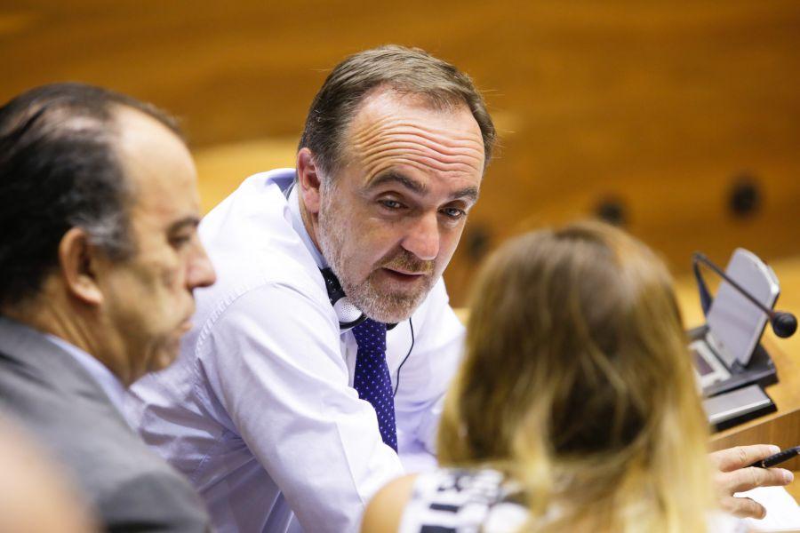 Esparza contesta al presidente de la AVT que el Gobierno de Navarra