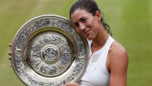 Muguruza arrolla a la pentacampeona Venus Williams y se doctora en Wimbledon