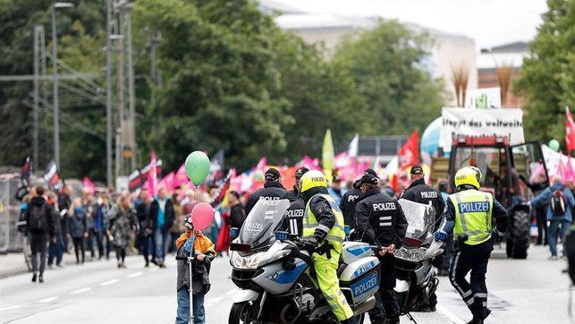 Incidentes entre policía y manifestantes en campamento de protesta contra G20