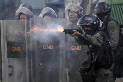 Las fuerzas de seguridad dispersan una marcha contra la Constituyente en Caraca