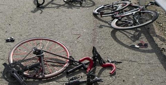 Cuatro ciclistas heridos en sendos accidentes de tráfico, dos atropellados